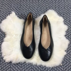 Classic Leather Ballet Flat from Naturalizer